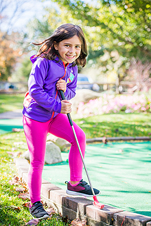 Mini golf player