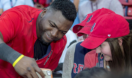David Ortiz takes selfies with pediatric patients