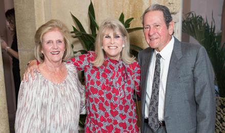 Helen Bossman (c) with Barbara and Arthur Simons