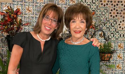 Jamie Chaloff (l) and Nancy Comenitz
