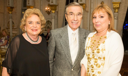 Suzanne and Robert Tomsich with Joan Heaney (right)